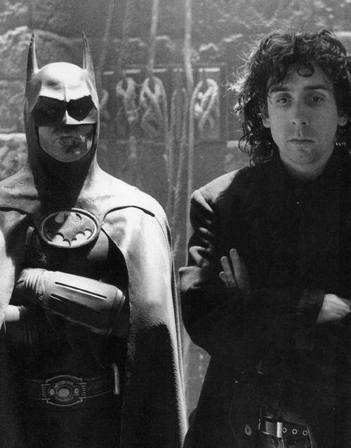 http://geekandchic.cl/wp-content/uploads/2011/02/Michael-Keaton-Tim-Burton-on-the-set-of-Batman-1989..jpg